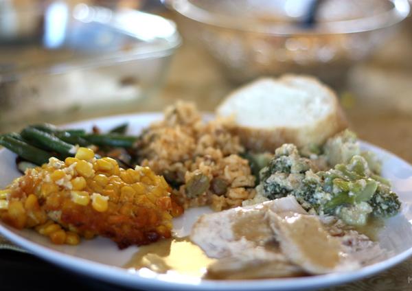 Thanksgiving_Dinner_(3065145964)-resized