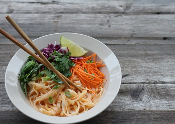 vegan thai red curry noodles