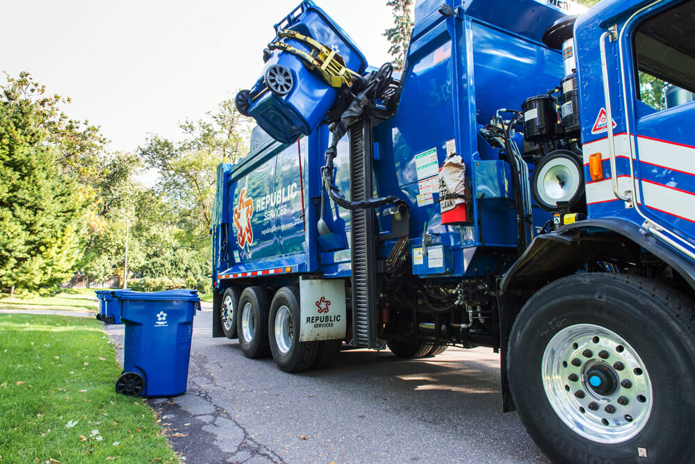 Republic Services trash truck