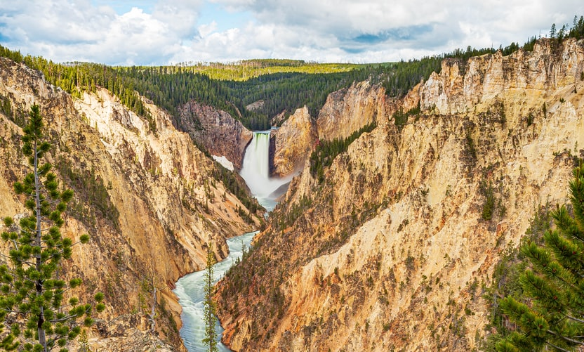 Yellowstone by Stephen Walker on Unsplash.