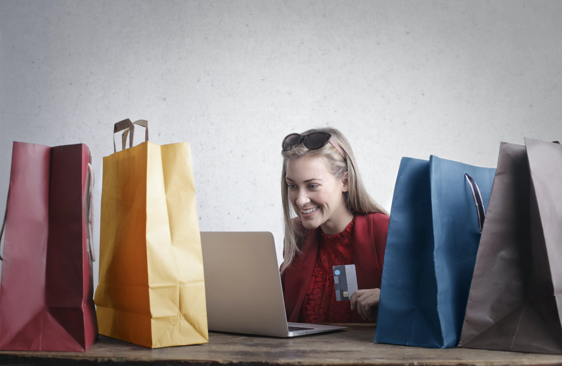 Online Gift Shopping by Andrea Piacquadio on Pexels.